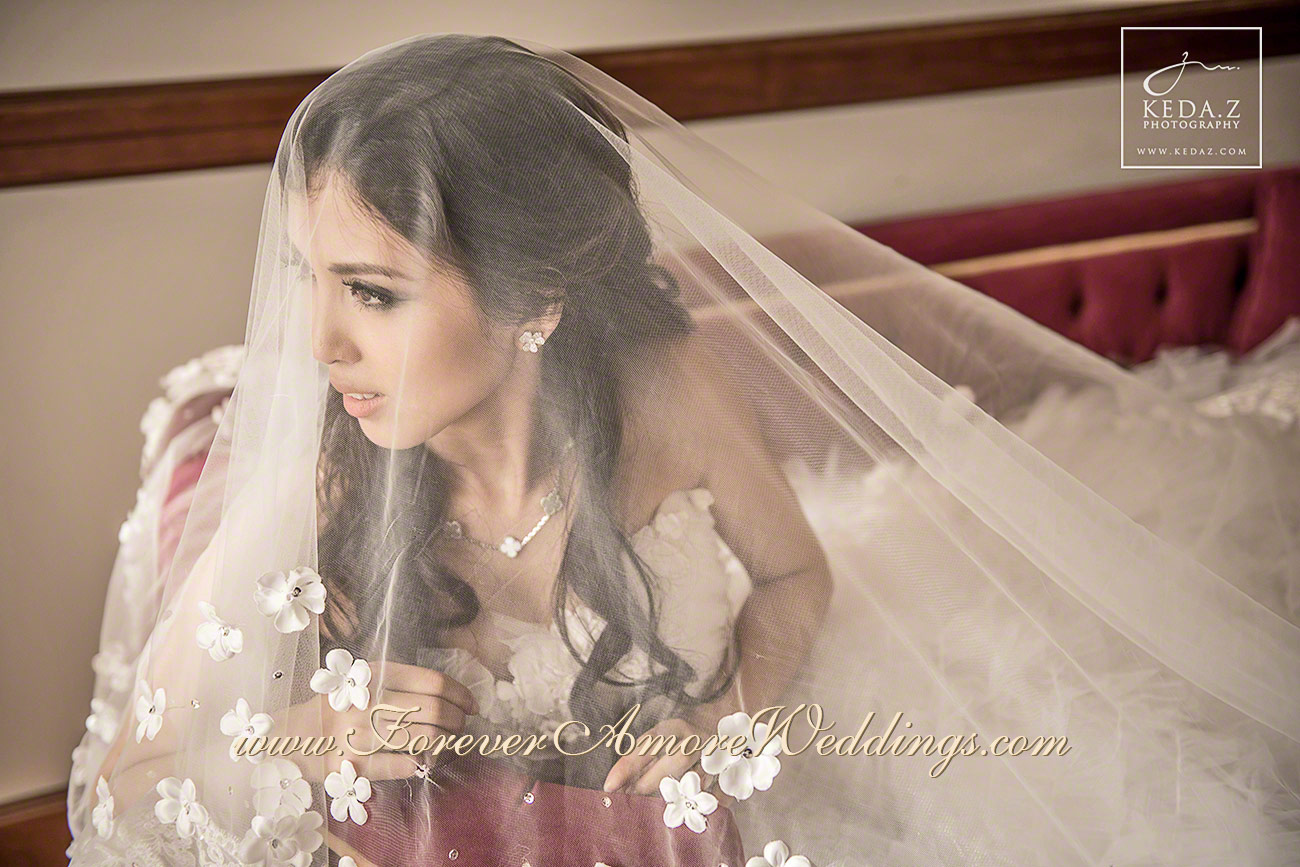 beautiful asian bride with veil grand hotel tremezzo