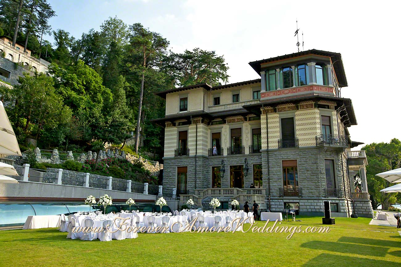 outdoor wedding reception at resort Casta Diva Como