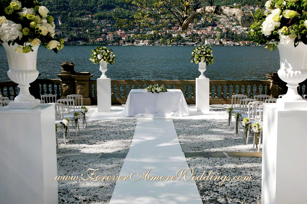 wedding ceremony at Casta Diva Lake Como