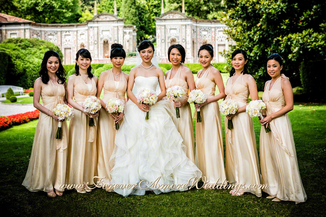 beautiful bride and bridesmaids at Villa D'Este
