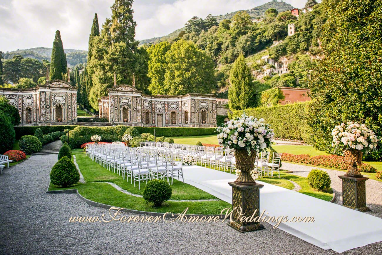 wedding at Lake Como with beautiful white flowers