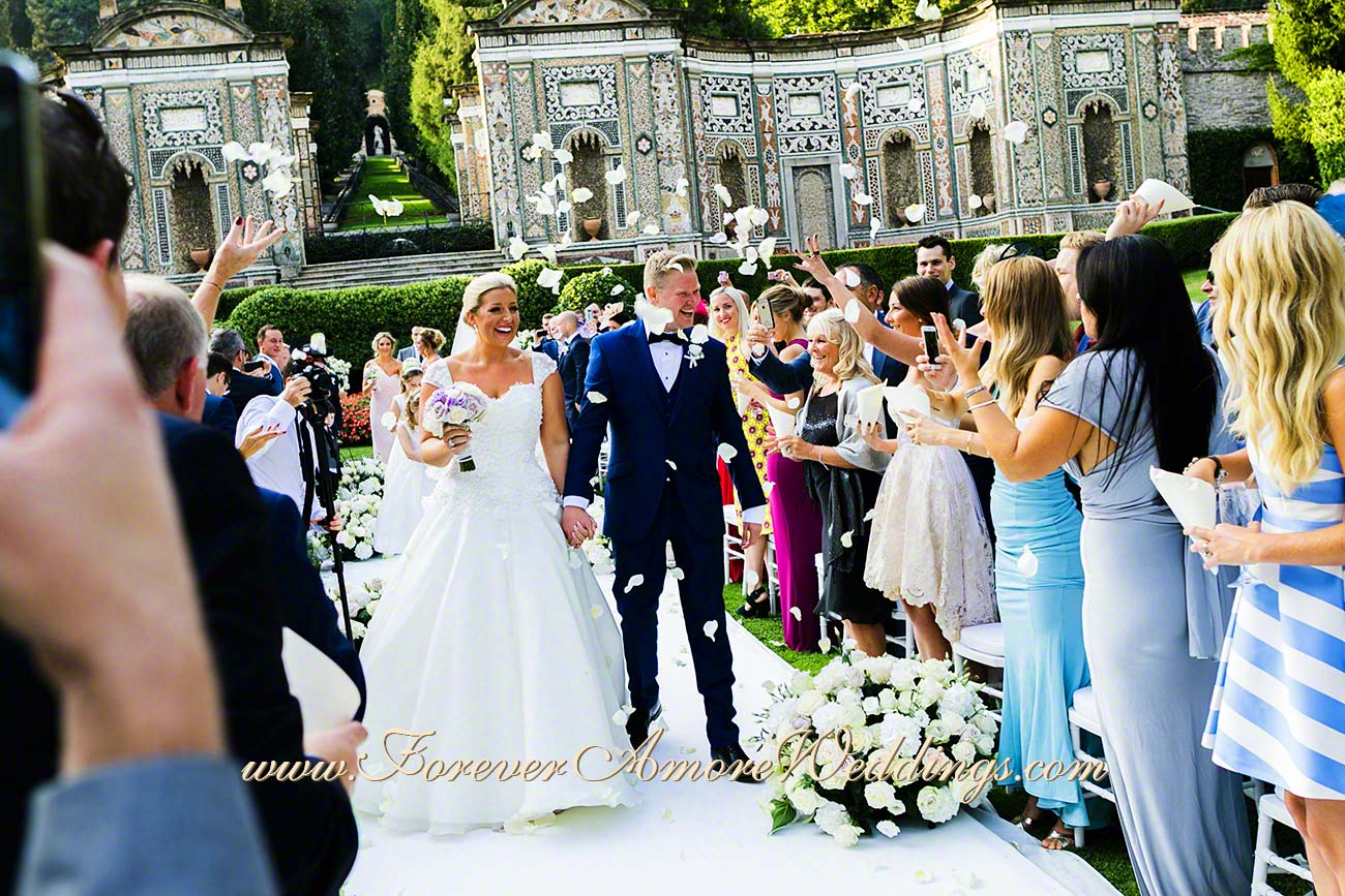 british bride and groom at Villa D'Este
