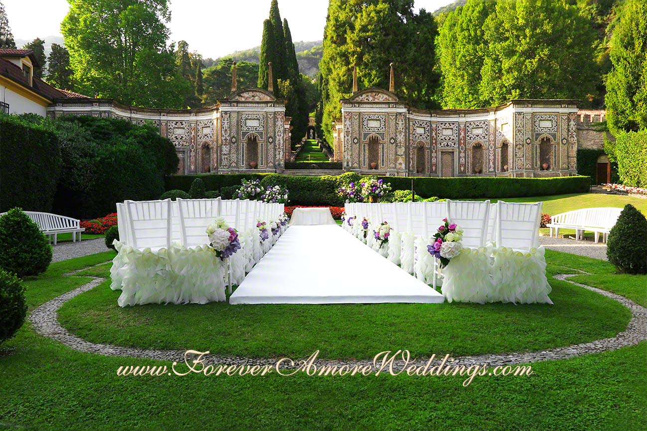 white ceremony at mosaic garden of Villa D'Este