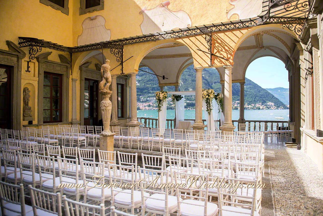 jewish wedding ceremony in Villa Pliniana with lake views