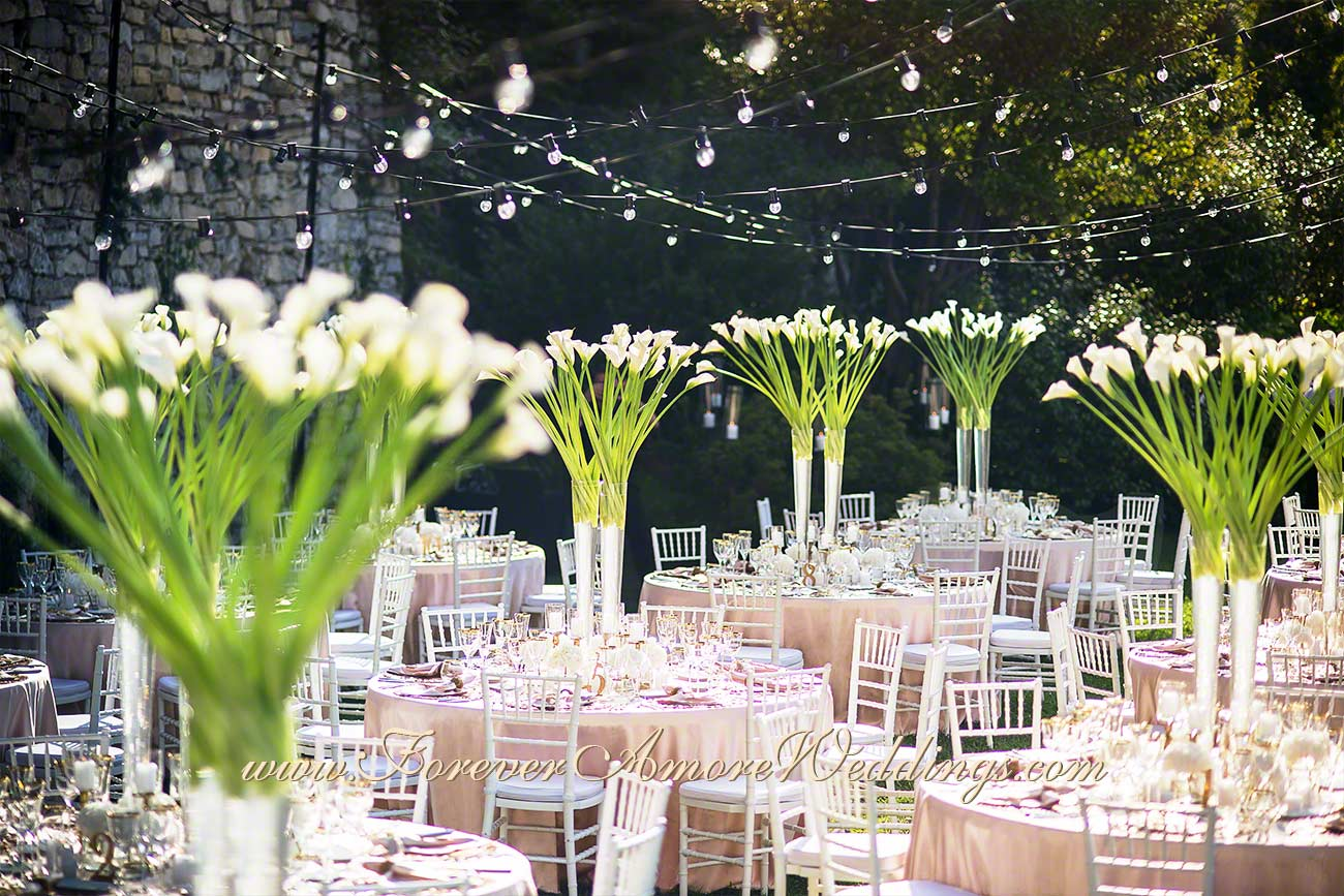 centerpieces with white callas at lake Como