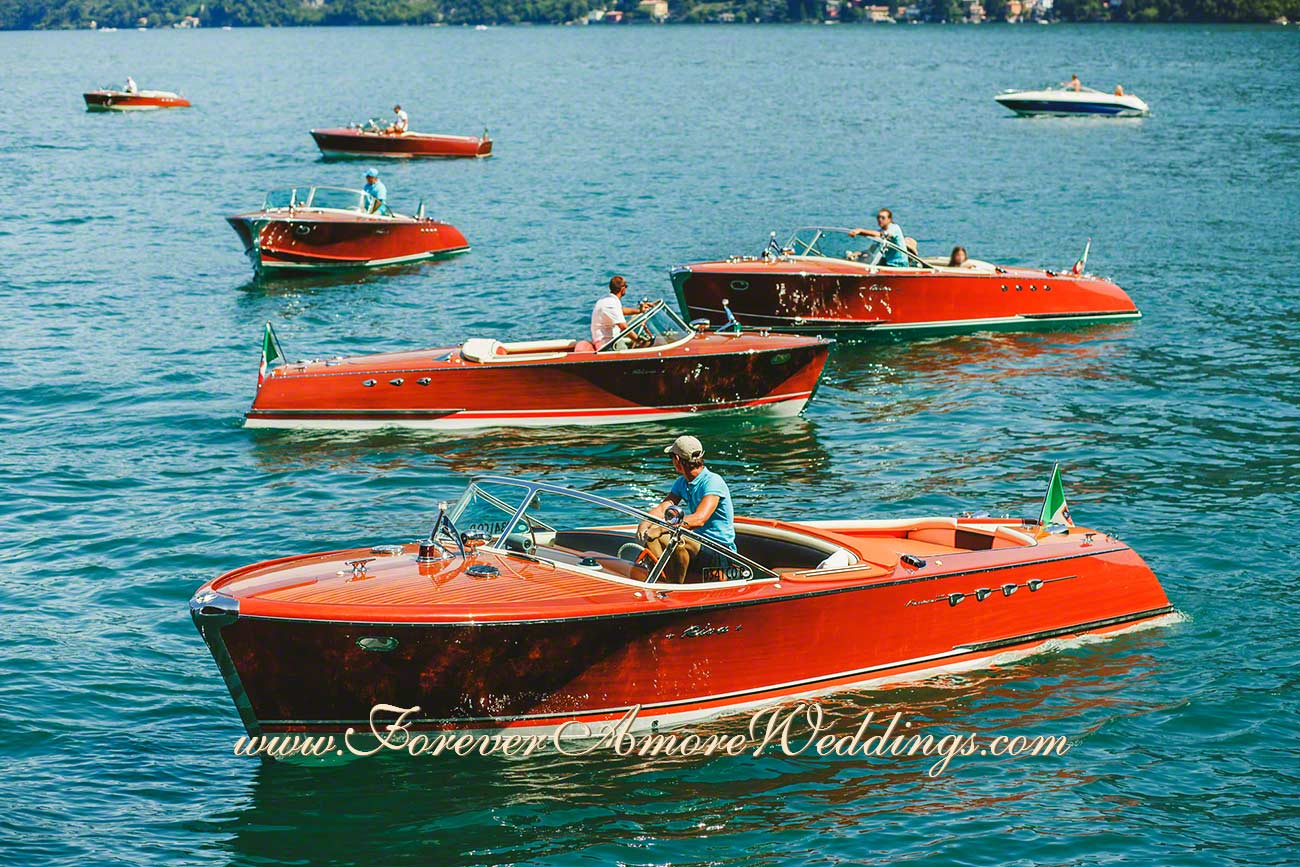 riva boats on lake Como for leisure activities